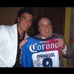 Recién me entero del fallecimiento de un grande Descansa en paz @ChespiritoRGB agradecido por tantas alegrías. http://t.co/K99hwkH6Dw