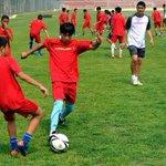 [#Chine] En Chine, le football sera désormais obligatoire à lécole ! http://t.co/NieWkk5Evn http://t.co/kCBU2gm7Al