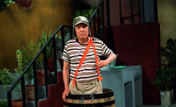 Muere a los 85 años Chespirito, el actor mexicano que dio vida al Chavo del 8 http://t.co/6Wd7lbyarS http://t.co/RYhYnYsFmt