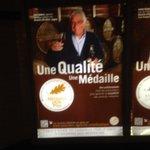 Communication sur les récompenses des produits alimentaires #marketing #vin #agroalimentaire dans le métro de #Paris http://t.co/lB4zoDaCJg
