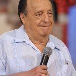 "Muere ""El Chavo"" Roberto Gómez Bolaños #Chespirito >> http://t.co/kkgOT1TjoK http://t.co/ZTHakSkZF5 vía @UniNoticias"