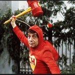 Muere Roberto Gómez Bolaños #Chespirito http://t.co/8LjJ9gIiQt http://t.co/LClKlq0scX