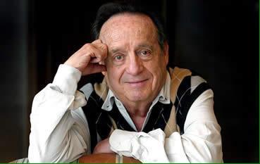 Gracias por dedicar su vida entera a hacernos reír. Hasta siempre Don Roberto Gómez Bolaños. #Chespirito http://t.co/3lmpEDtkJL