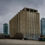 For fellow silophiles, Victory Soya Mills #Silos (1943) in #Torontos east end #abandoned x20 yrs #Toronto #heritage http://t.co/W7N8nBZc78