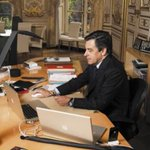 """""""OK donc là jai bypassé le pare-feu et je rajoute 26000 voix à la fédération de Mayenne pour le fun"""" #Hacking #UMP http://t.co/KJw0r9MqnU"""
