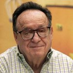 """Beloved Mexican Legend Roberto Gómez Bolaños, """"Chespirito,"""" Remembered On Twitter http://t.co/0qPSWbn4jU http://t.co/bO9XewtyIr"""