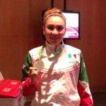 Xhunashi Caballero de México medalla de plata en karate femenil -68 kg #CentroamericanosTVMÁS http://t.co/z40qVQeI8Y