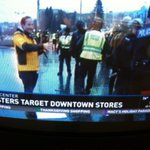 KING 5s @AlexRozier reports several arrests @SeattlePD confiscating potential weapons from marchers at 7th and Pine http://t.co/H5rNCaLPbl