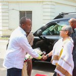 The First Lady arrives at Treasury Square in Mombasa and is received by County Governor Hassan Ali Joho #BeyondZero http://t.co/f00vhEuSKp