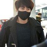 Super Junior キュヒョン、コンサートのため台湾へ(29日、仁川空港) http://t.co/0ZKzkyDrNi