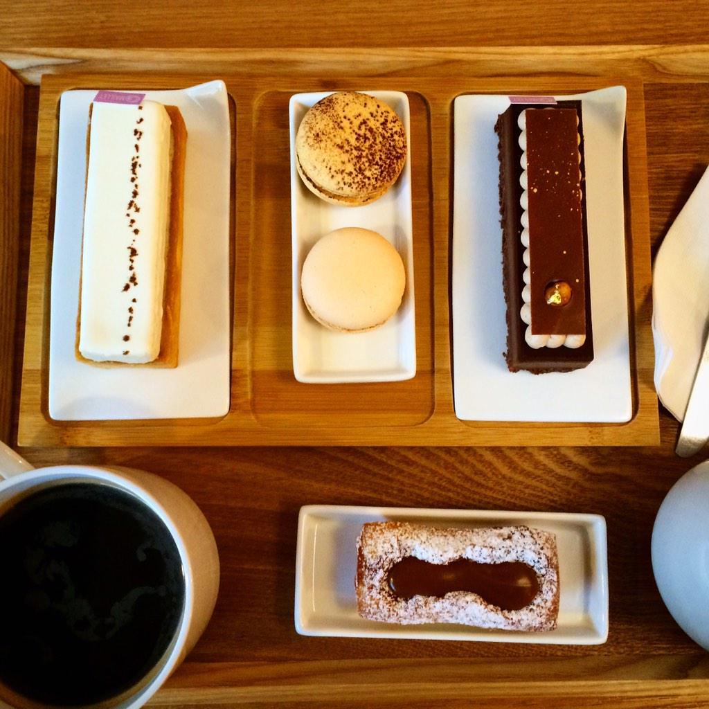 파리에서나 맛볼 수 있던 어마어마한 내공의 케이크. 프랑스인 남편과 한국인 아내가 함께 하는 마얘씨네 디저트가게 @ Maillet http://t.co/WwIyJEr54s