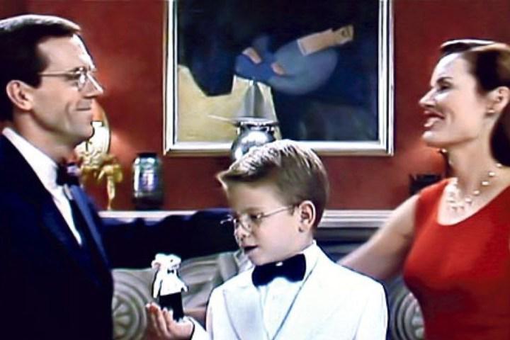 Art historian spots long-lost painting while watching STUART LITTLE (1999) http://t.co/BuTZeDVDH6 http://t.co/5g6ntt89KI