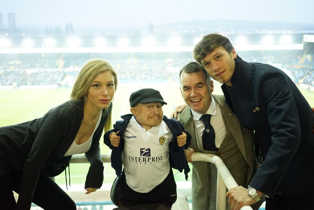 Let's hope the guest I've invited today brings us as much luck in the 2nd half #lufc  @verntroyer @mfeee7 Eleonora http://t.co/usFsZJ0eEc