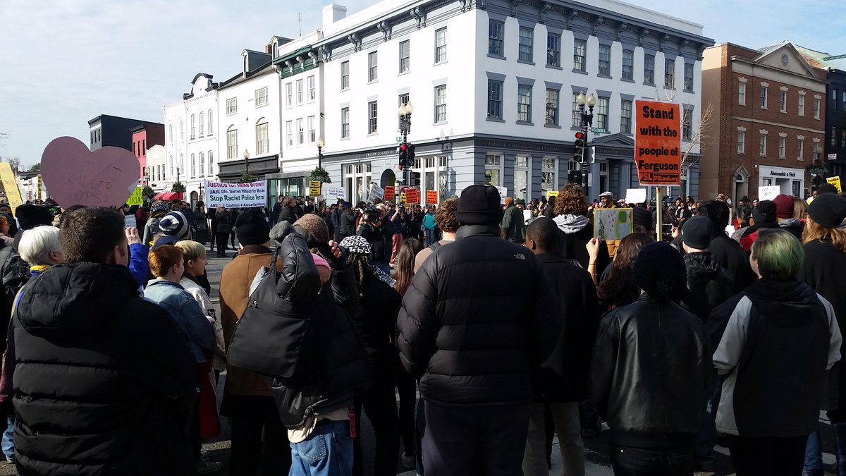 #DCFerguson protest blocks nearly the entire M Street corridor in Georgetown. Happening now. http://t.co/0CzEGz5o5F