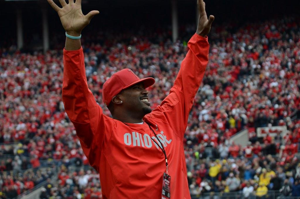 Congrats to Troy Smith! No. 10 enshrined into #TheShoe during #TheGame today! #GoBucks http://t.co/AFoiTFGsIL