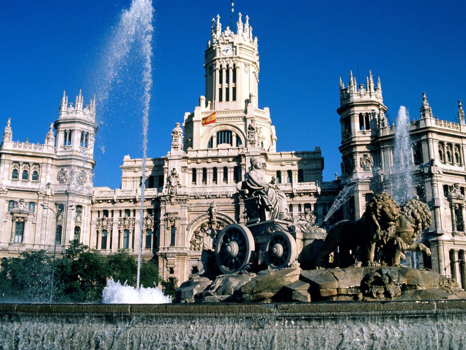 يعود اسم مدينة مدريد الإسبانية لكلمة العربية مجريط وتعني مجاري المياه الوفيرة،وهو مايميز المدينة ويصفها في ذلك الوقت. http://t.co/9sHMmO5aiQ