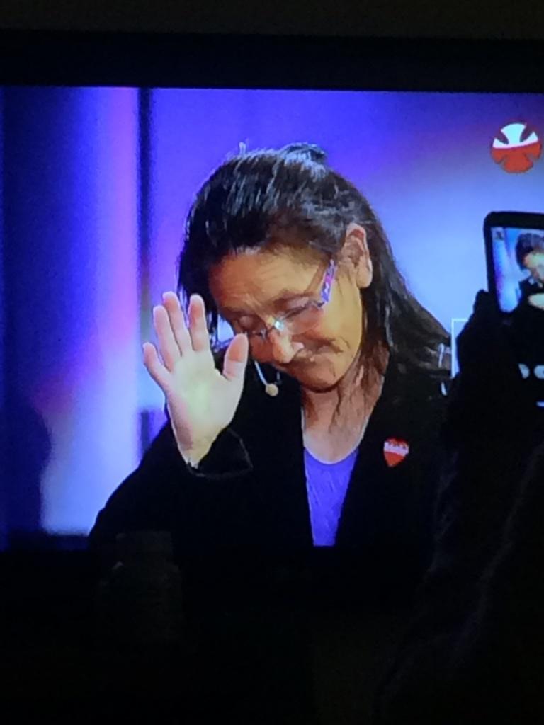 Esta abuelita le hace bien a Chile http://t.co/aRNN8FXzEB