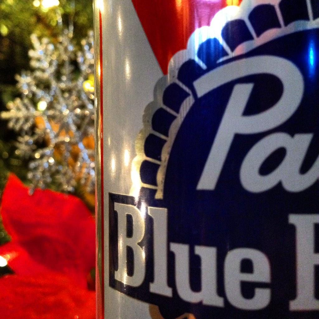 It's beginning to look a lot like... time to hit the bar! #happyholidays
