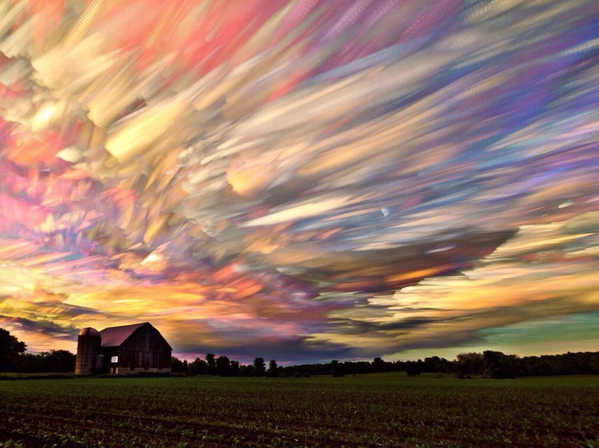 A time lapse of hundreds of sunsets: http://t.co/7b9Ur7QC1K