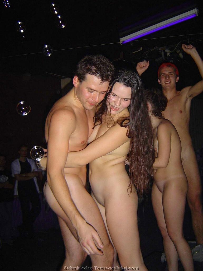 Трахнул гея в клубе 10 фотография