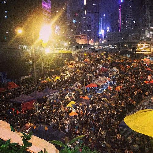 「愛是凡事相信,凡事盼望,凡事忍耐」。祈願今夜金鐘平安、香港平安。 http://t.co/yILRUehlZF