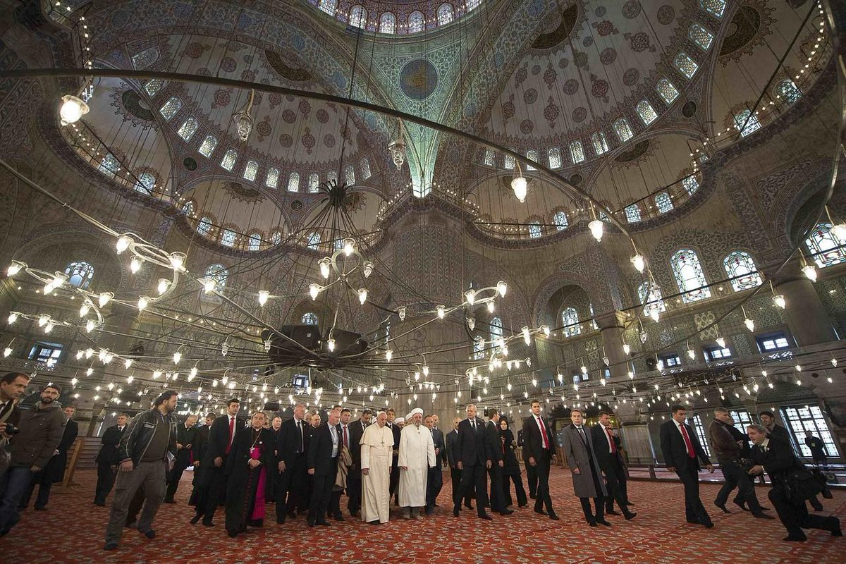 Pope Francis in Istanbul - this photo is amaze http://t.co/NOru2lALWW http://t.co/FmXgPtaoPI