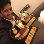 Won 2 awards today ZeeTalkies Maharashtracha Favourite Actor & Favourite Style Icon-One 4 my father &One 4 my lil one http://t.co/USxAkZtyZM