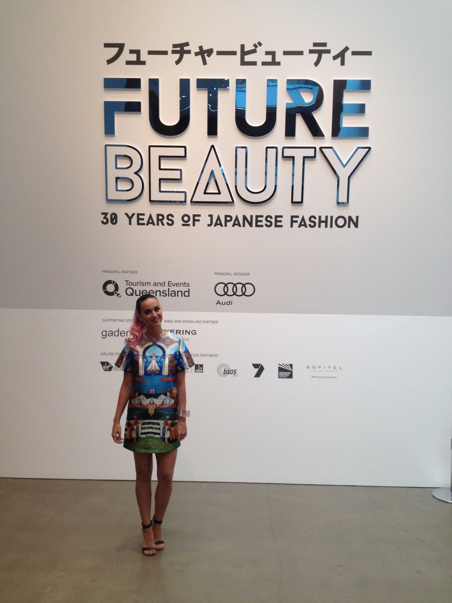 Someone very special is at GOMA @katyperry at #FutureBeauty #qagoma #brisbane http://t.co/HO9klUFWBl