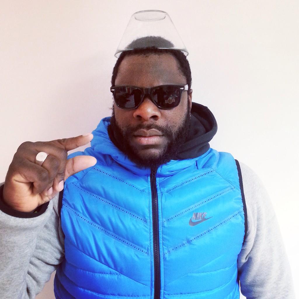 L'HOMME AU BOL @GRADIDUR #enneigé #shokey http://t.co/VypqQURiDi
