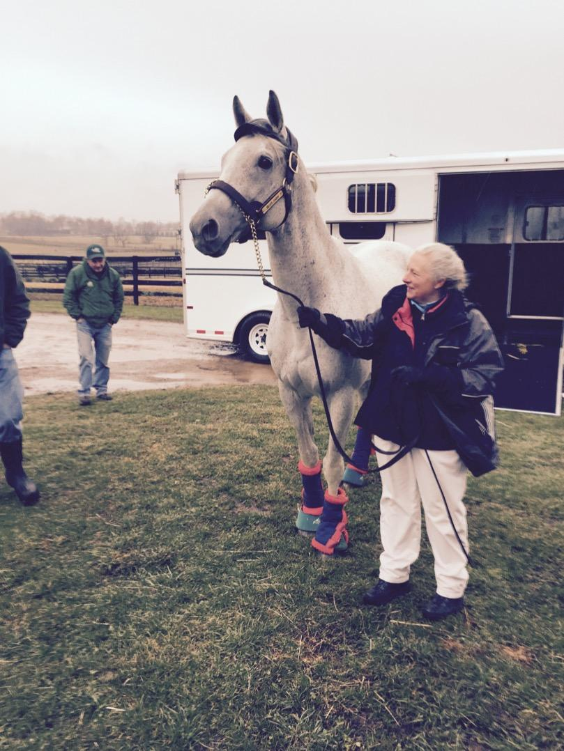Sandy walked him off the truck? I'm in tears.  @Oldfriendsfarm: Thanx @salleehorsevans for bringing #SilverCharm home http://t.co/cq2WmZfZKK