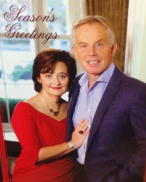 The strange thing about Tony Blair's Christmas card is how the teeth seem to follow you round the room. http://t.co/UXUL2pAY5u