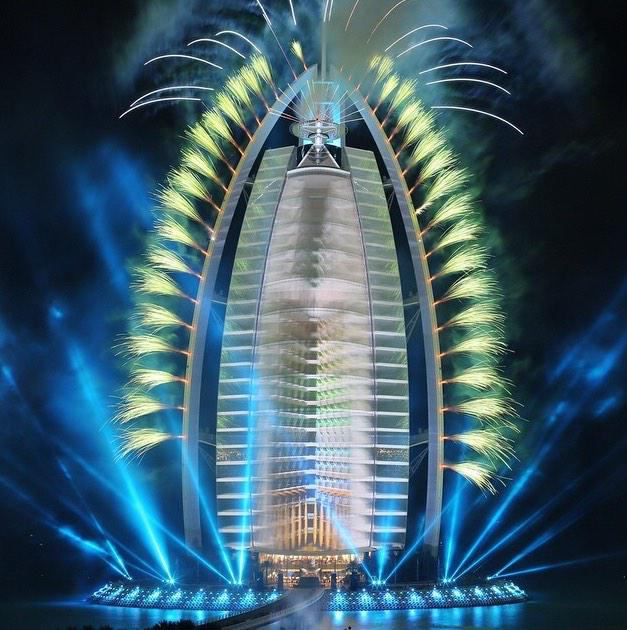 A night to remember in celebration of the 43rd #UAENationalDay Thank you Chris #BurjAlArab #MyDubai #WeLoveUAE http://t.co/ZRUSmvf2Xm