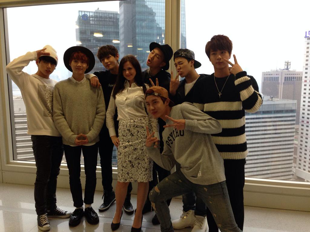 Chilling with BTS, one of the hottest Korean boy bands, before they go on with @AngieTVLau #lovemyjob #kpop #bts http://t.co/eEyKPCXpmO