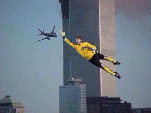 #ThingsDavidDeGeaCouldSave whoever made this