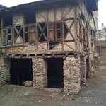 RT @swativashishtha: A Kashmiri Pandit house in Srinagar's Habba Kadal on polling day. Habba Kadal recorded lowest voter turnout @ibnlive h…