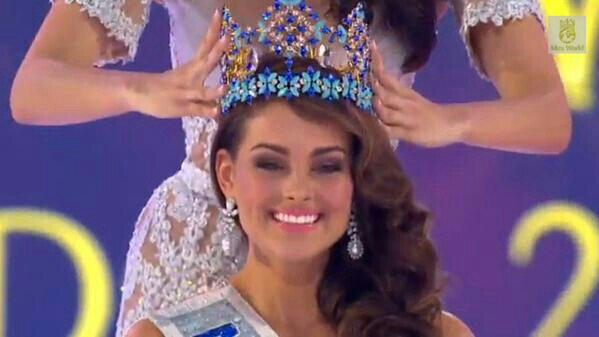 Congratulations to the beautiful Miss South Africa @RoleneStrauss who has been crowned the new #MissWorld2014. http://t.co/QWPDDeYf11