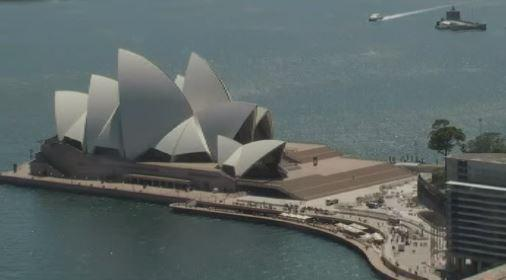 Sydney Opera House evacuated and reports the CBD airspace has been suspended. More: http://t.co/eMhyprDkiw #TenNews http://t.co/jFLkhIkyhQ
