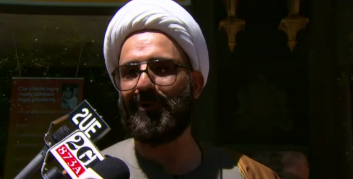 #BREAKING: Man Monis has been named as the gunman behind the #SydneySiege. #9News http://t.co/NPeQvHs7Pn