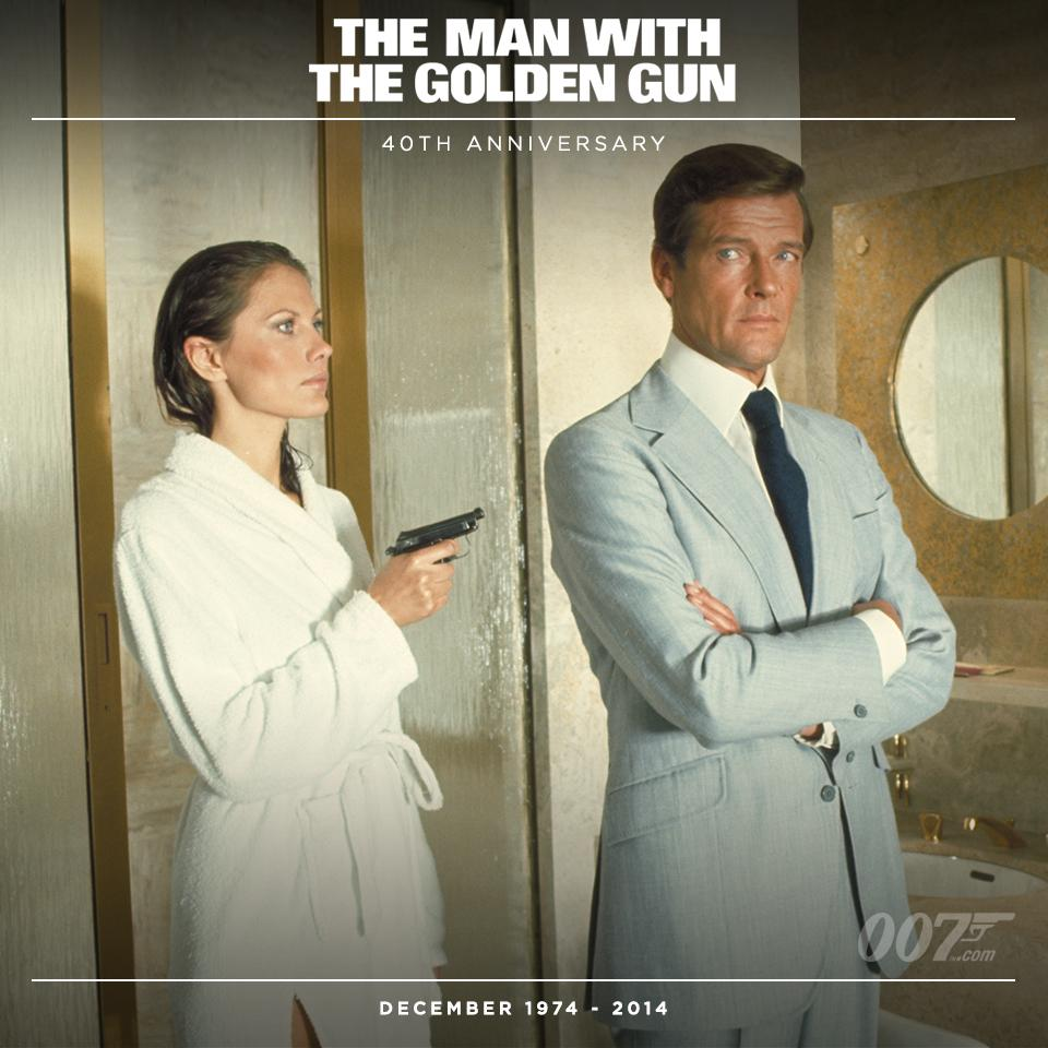 Andrea Anders Maud Adams Turns The Tables On 007 Roger Moore In The Man With The Golden Gun