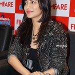 RT @ShrutiHFansClub: Set 1 : See our queen @shrutihaasan at Reliance Digital meet and greet with fans in Hyderabad! http://t.co/HyTF4GeUJn …
