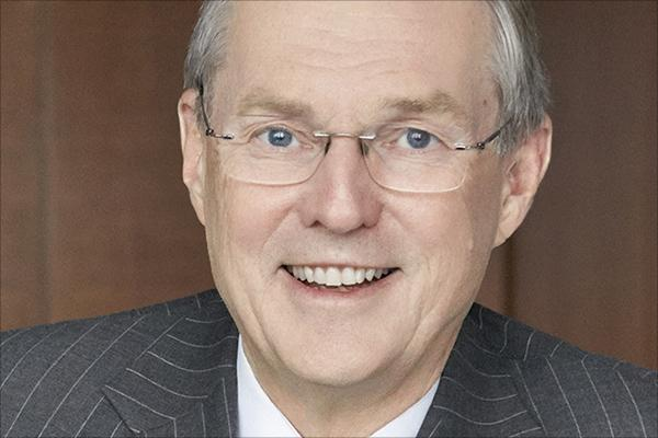 Ed Clark, former Toronto-Dominion Bank CEO, gets our 2014 Lifetime Achievement award http://t.co/5rpIBSkuJi http://t.co/gwm6Kvp1tS