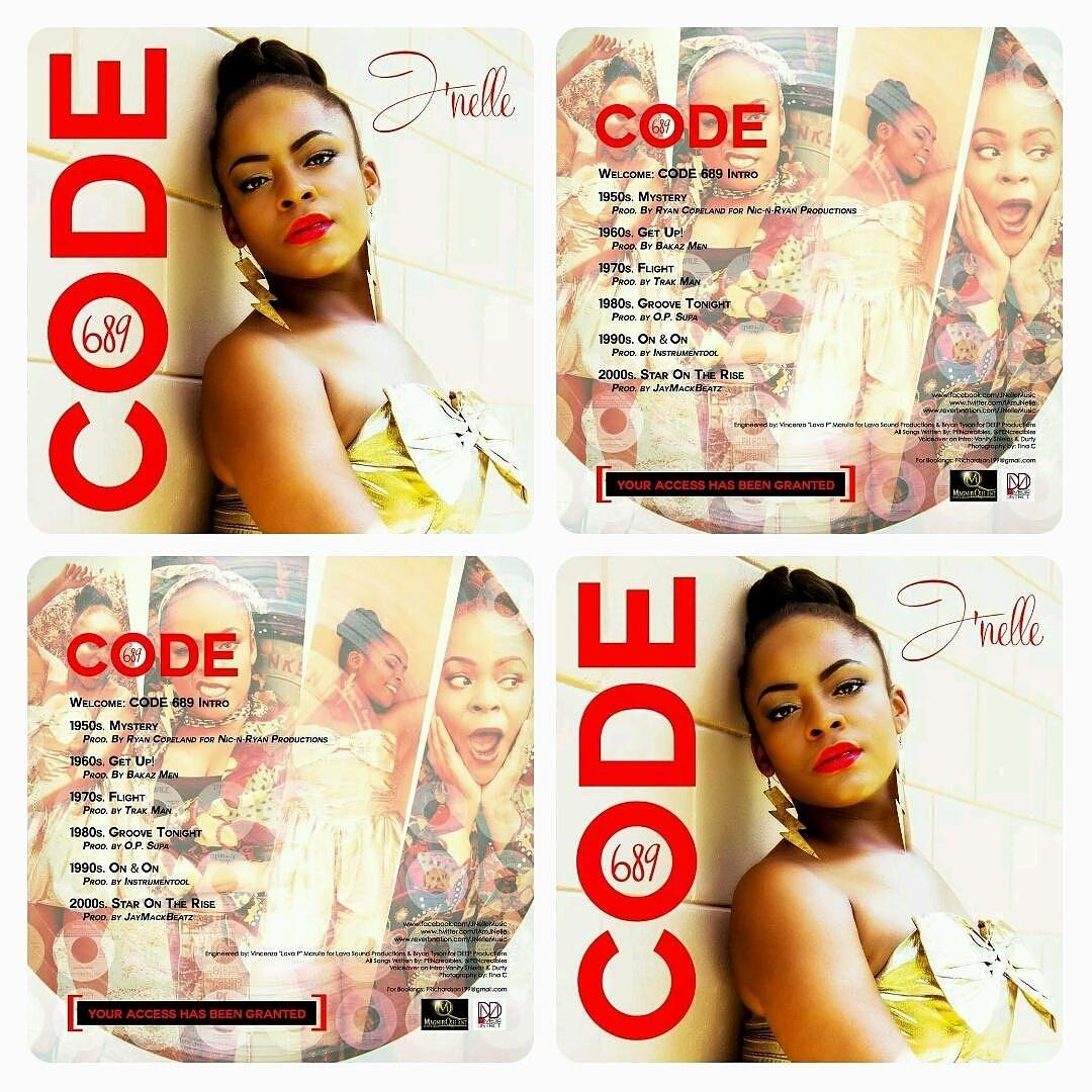 Because I enjoy giving,the first 7 people to RT this photo will receive a FREE signed copy of #CODE689 #ChristmasGift http://t.co/NsobxNU0aB