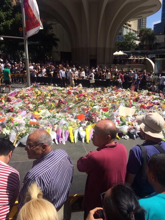 Martin Place, Sydney. 2.45pm. @abcnews #sydneysiege http://t.co/9R0TELqTUU