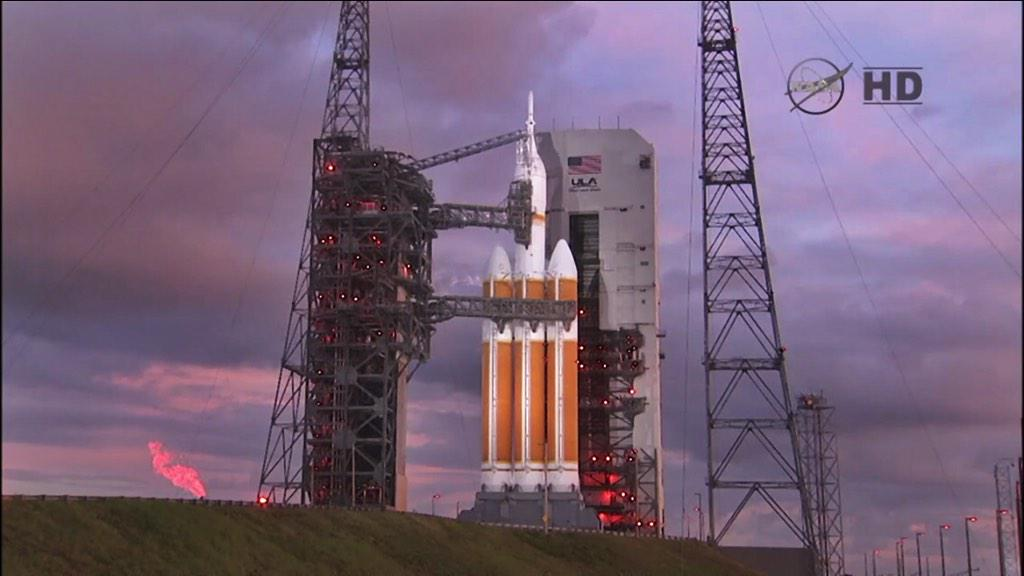 Another beautiful shot of the Delta IV from NASA TV! #Orion http://t.co/O3nTNZKbR1
