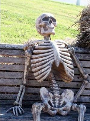 RT @MichelPesquera: Les comparto una foto de mi ex esperando a alguien mejor... http://t.co/uov8MQf1q4