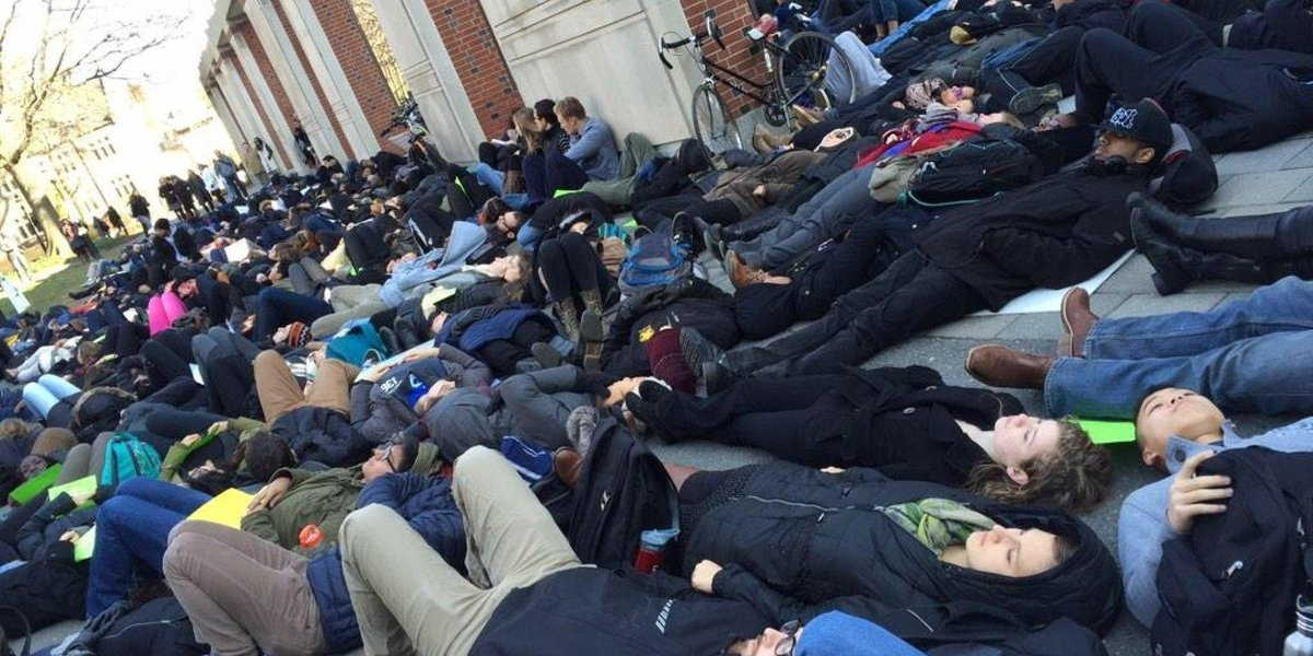 College students continue protesting #EricGarner decision Thursday http://t.co/vOSsvtWtct http://t.co/CGCEvOEr0i