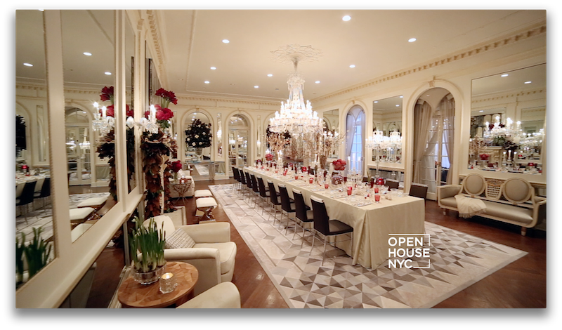 A peek at one of the homes we're touring this weekend with  @traditionalhome and @HolidayHouseNY. Watch on NBC! http://t.co/HCKz9vOen3