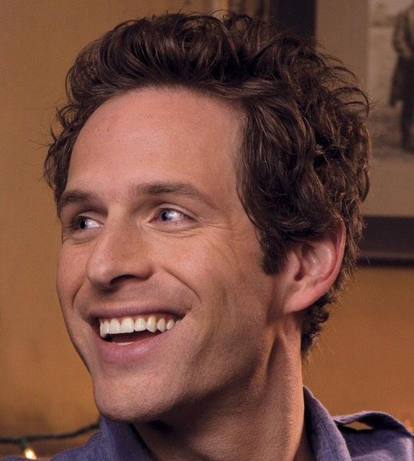 So proud watching @GlennHowerton tonight as the vivacious Peter Pan! #PeterPanLive http://t.co/UifK1Vc2eL