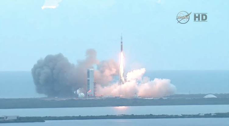 The liftoff of the Orion crew capsule from this morning - and there's still a long way to go! #OrionLaunch http://t.co/u7lsj8Vkqr