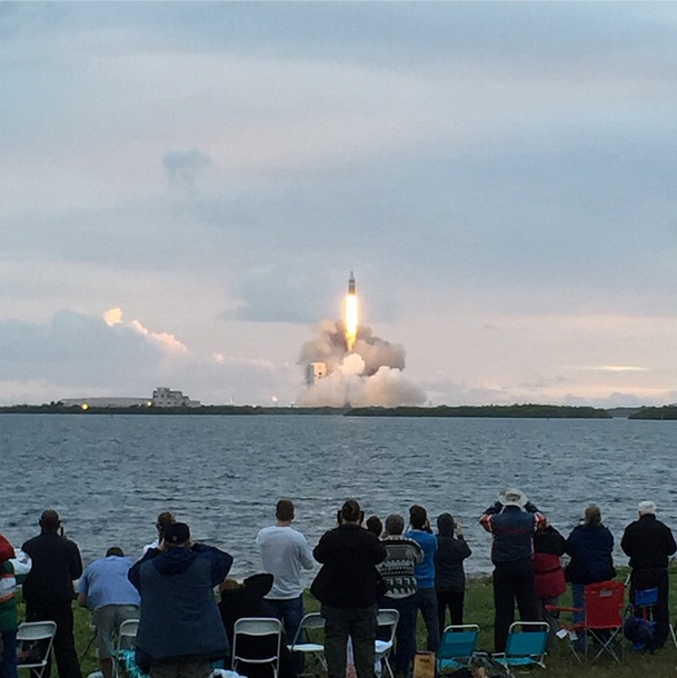 Awesome shot from @jonathanesmith of the successful #Orion launch just minutes ago: http://t.co/hnp4me3Bzl http://t.co/OQcWNyV2TM